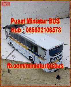 miniatur-bus-bis-405